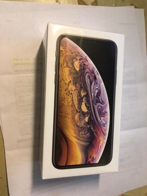 For Sale Brand New Apple iPhone X and iPhone 8 Plus WatsAppChat: +79267733056